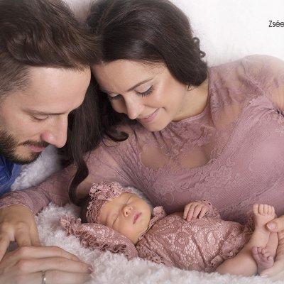 családi újszülött fotózás
