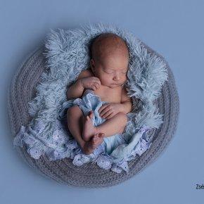 Újszülött fotózás – hány napos korban?