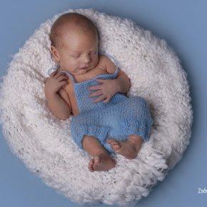 Újszülött fotózás kiszállással
