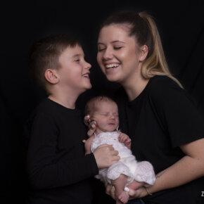 Családi fotózás újszülött fotózással